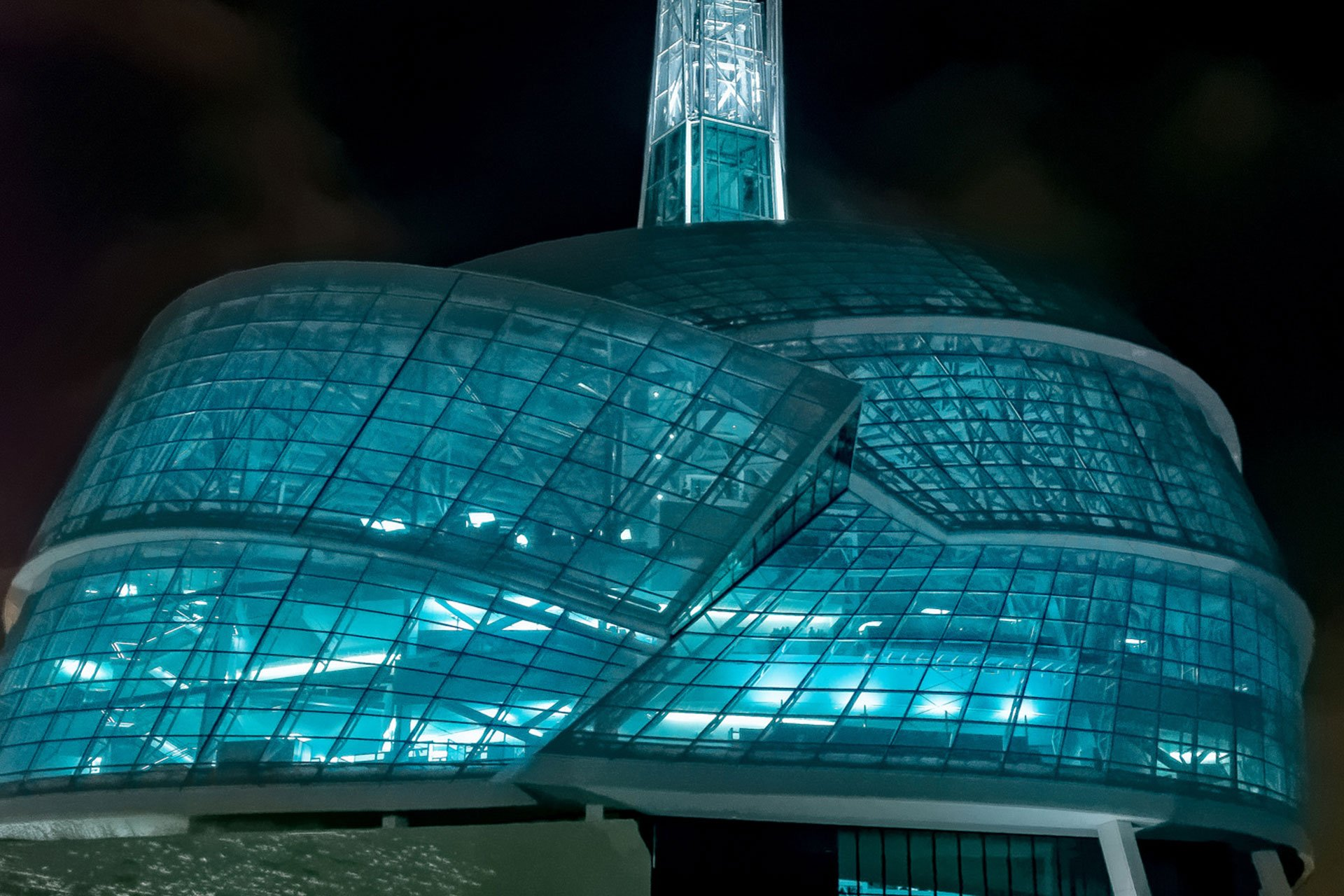 Canadian Museum for Human Rights night exterior OVI architectural lighting design