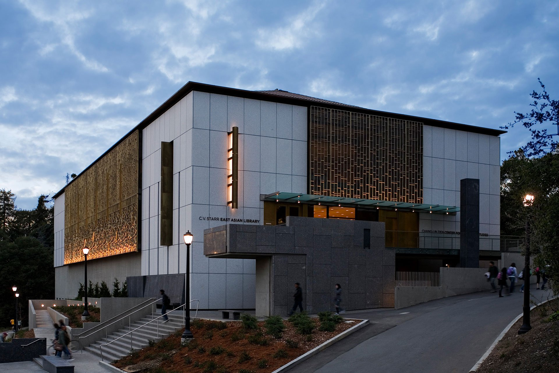 C.V. Starr East Asian Library side exterior OVI architectural lighting design