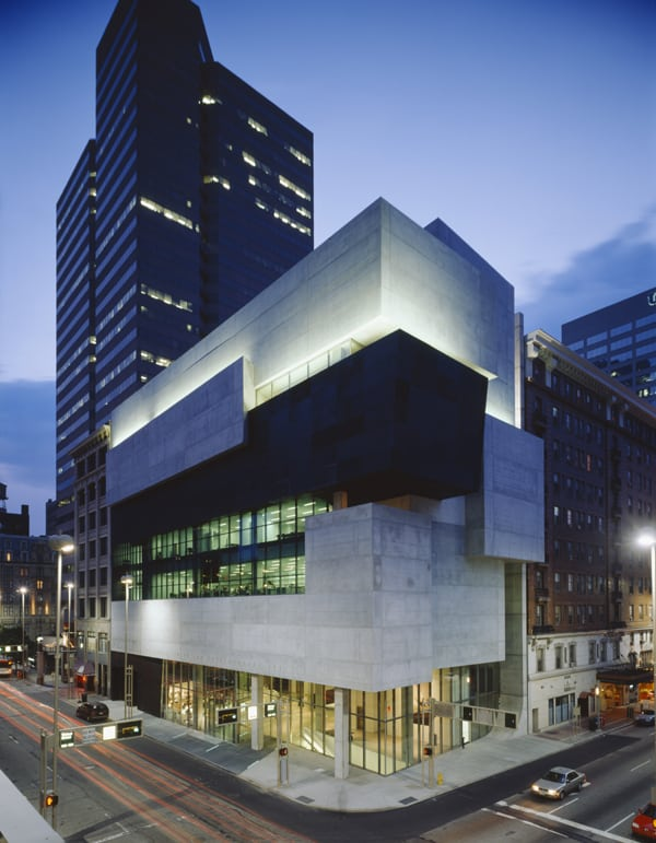 Rosenthal Center for Contemporary Art exterior building image architectural lighting design OVI